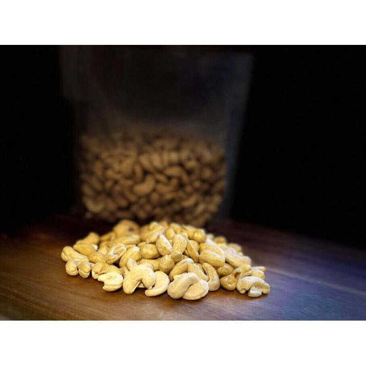 Raw Cashew Nuts (0.450 kg)
